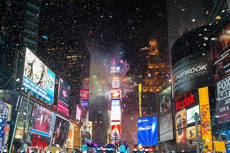 are there bathrooms in times square on nye watching the ball drop in times square on nye