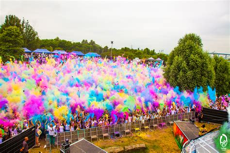 festival pictures media centre holi festival of colours
