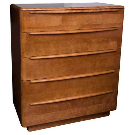 Walnut Finish Dresser by Heywood Wakefield Dresser In Walnut Finish At 1stdibs