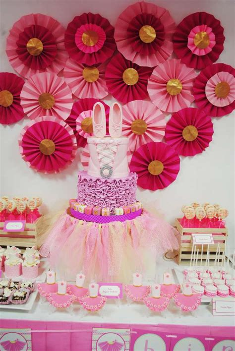 Ballerina Medallion Garland tutus birthday ideas