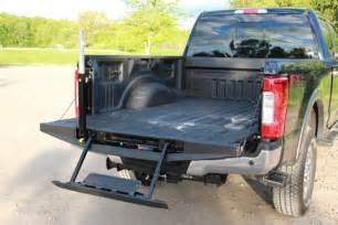 Bed Liner Paint 2017 Ford F250 Super Duty Loses Some Weight But Hauls More