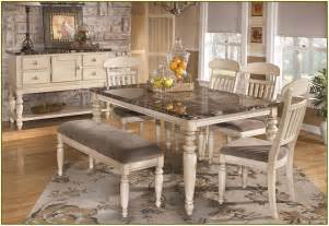 Dining Room Table Centerpieces » New Home Design