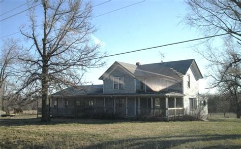 28 east 2300 road wellsville ks 66092 detailed property