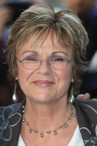 julie walters hairstyle julie walters in mamma mia world film premiere