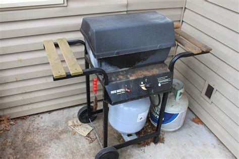 Patio Master Grill by Patio Master Propane Gas Grill W Two Propane