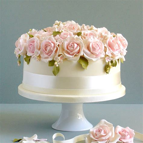 Wedding Cake One Tier by White One Tier Cake With Roses A White Wedding Cake