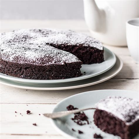 vegan schoko kuchen so saftig ist nur dieser vegane schokoladenkuchen