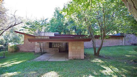 Frank Lloyd Wright Style Houses frank lloyd wright 1953 house asks 455k after restoration