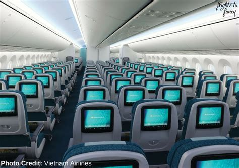airlines economy class review b787 vn772 syd sgn