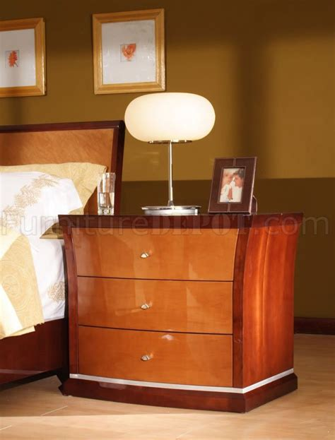 two toned high gloss finish contemporary bedroom set
