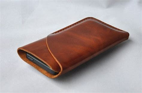Iphone 4s Kulit 25 best ideas about leather phone on