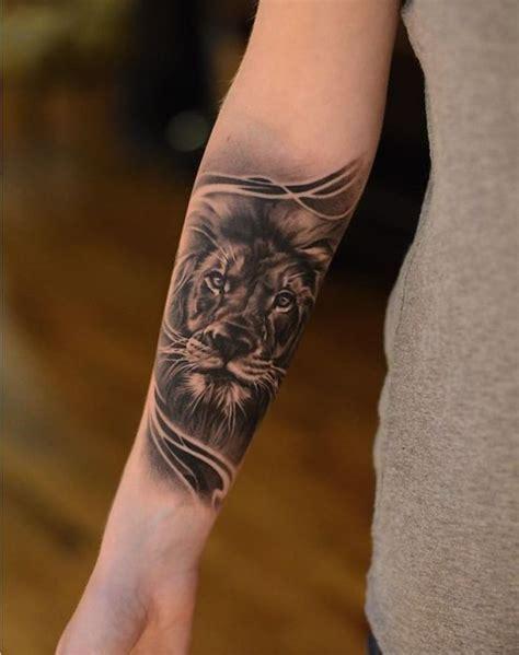 tattoo arm vorlagen frau tattoo arm frau l 246 we tattoo in schwarz und grau am