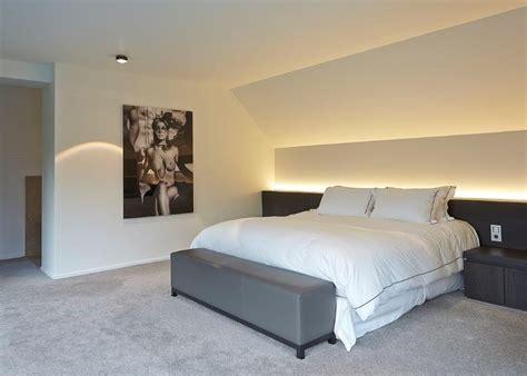master bedroom wand dekorideen slaapkamer bed achterwand en dekenpoef rmr slaapkamers