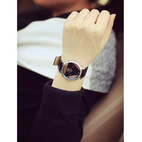 Jam Tangan Triangle Quartz jam tangan triangle quartz yq007 black