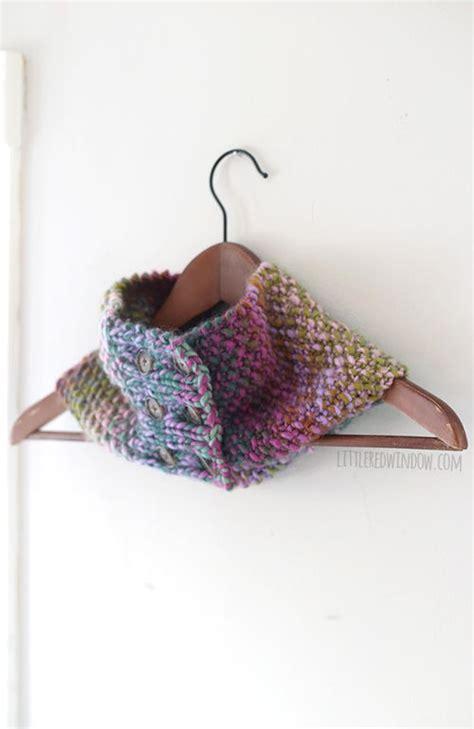 buttoned cowl knitting pattern buttoned up knit cowl allfreeknitting