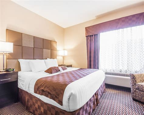 comfort suites kelowna comfort suites kelowna kelowna can expedia