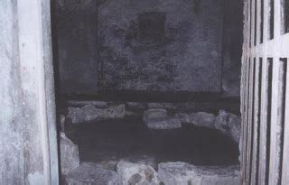 explore underground vault in edinburgh explore underground vault in edinburgh scotland