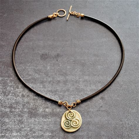 how to make celtic jewelry unisex necklace triskele necklace jewelry