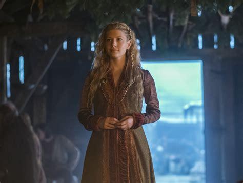 vikings season 3 spoilers plot news actress katheryn vikings season 4 spoilers behind the scenes photos