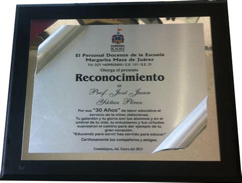 ejemplos de placa de reconocimiento institucional placa de agradecimiento ejemplos pictures to pin on
