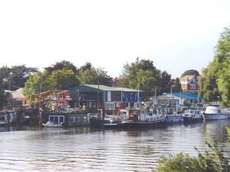 swan boats london swan island london wikipedia