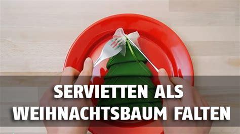 einfache weihnachtstisch dekorationen lernen sie servietten als deko f 252 r den weihnachtstisch zu