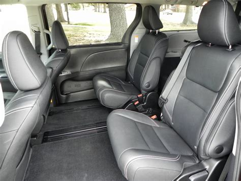 luxury minivan interior 2015 toyota sienna is still a luxury minibus