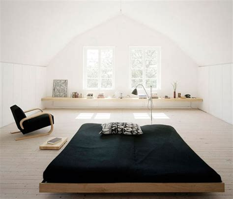 minimal room laying low julep