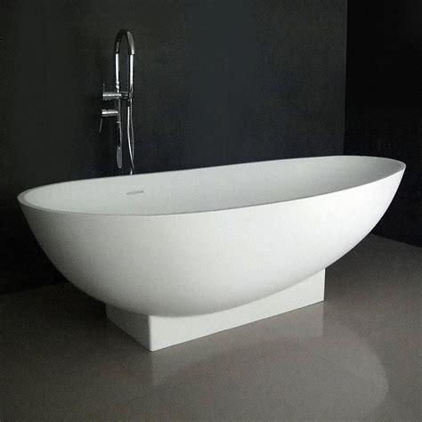 ruth  soaking bathtub  integrated pedestal