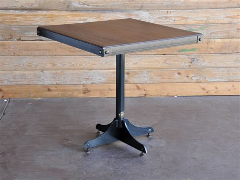 vintage industrial cafe table   Vintage Industrial Furniture