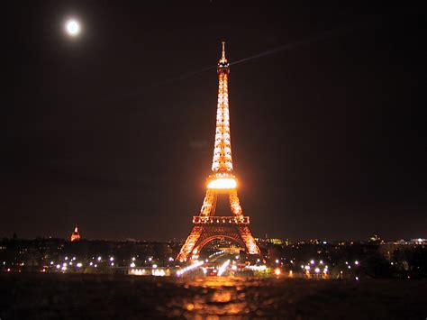 eiffel tower lights eiffel tower lights wallpaper 1600x1200 21785