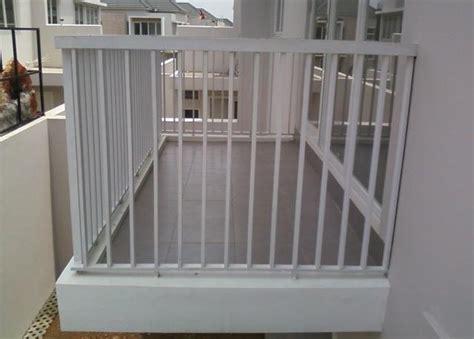 desain railing balkon minimalis balkon minimalis