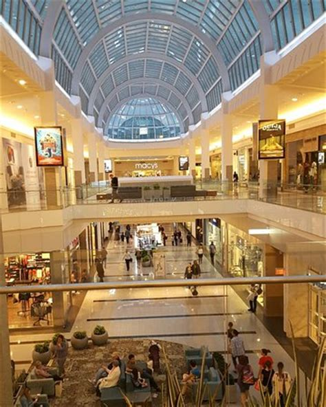 roosevelt field mall hours roosevelt field garden city ny top tips before you go