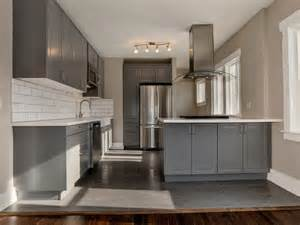 white cabinets with grey countertops gray kitchen cabinets with white countertops quicua