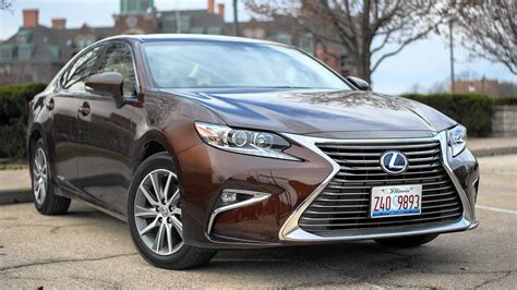 lexus es300 hybrid 2016 lexus es300 midsize hybrid sedan fails to deliver on