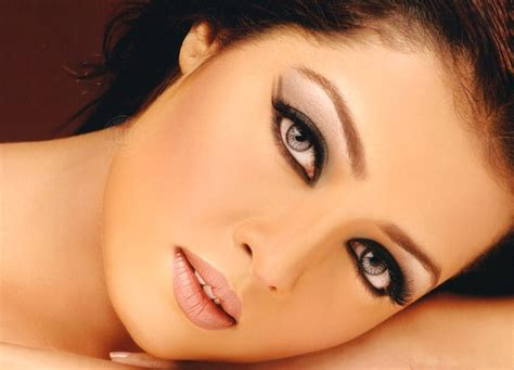 most beautiful actresses eyes top 11 most beautiful eyes in the world you would fall in love