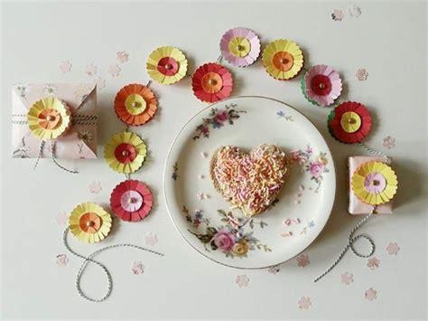 Papier Deko Hochzeit by Papierblumen Tischdeko Basteln