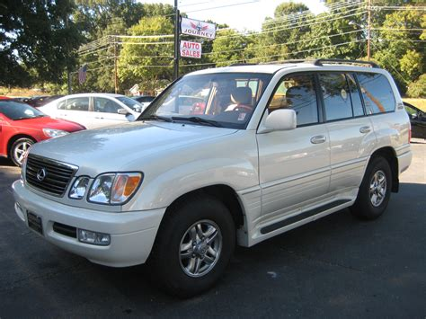 suv lexus white 2001 lexus lx470 4wd 3rd row seating white suv low