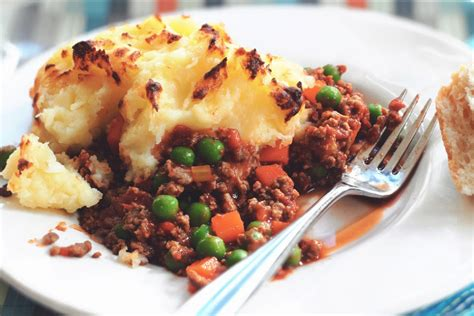 cottage pie simple recipe cottage pie recipe delicious vegetarian free quorn