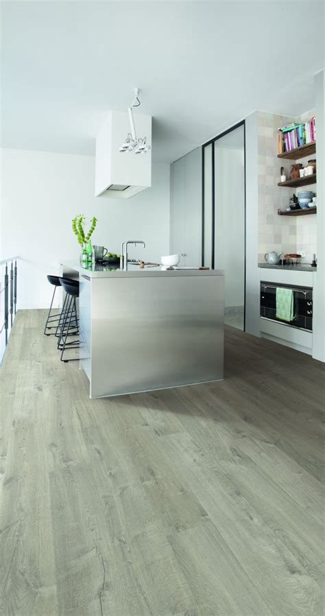 quickstep impressive soft oak light grey im3558 laminate