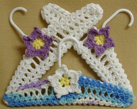 pattern for covering clothes hangers covered coat hangers hanger covers free vintage crochet