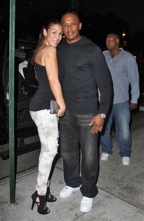 rap producer dr dre s wife nicole black and famous dr dre nicole threatt photos photos dr dre walks with