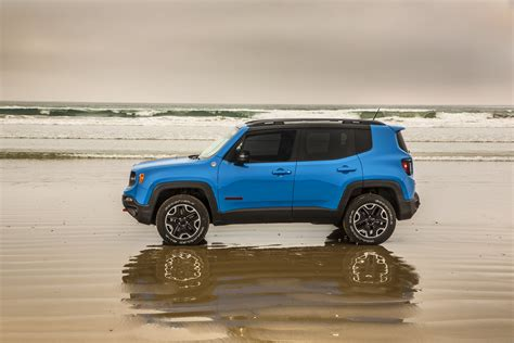 2015 Jeep Renegade 4x4 2015 Jeep Renegade Trailhawk Suv 4x4 Wallpaper 3000x2000