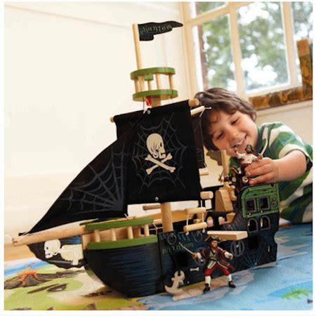 barcos de madera animados barcos y mu 241 ecos pirata de madera para que los ni 241 os y