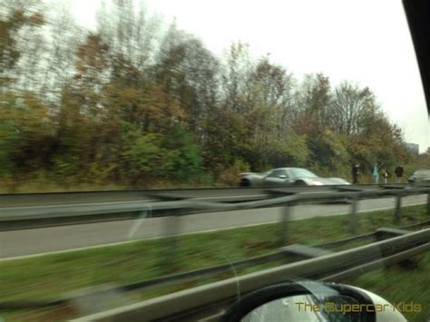 porsche 918 crash porsche 918 spyder crashes on german autobahn autoevolution