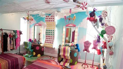 candy bedroom willy wonka set design on pinterest willy wonka