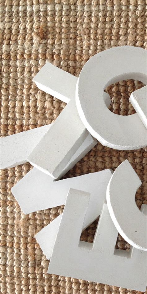 buchstaben aus beton buchstaben zahlen aus beton kunst aus beton