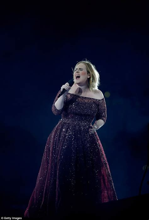 born adele navy adele makes tribute to london during her auckland concert