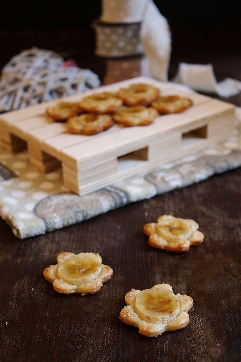 fiori di pasta fiori di pasta sfoglia alle banane ricetta semplice e veloce