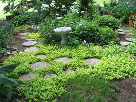 Garden Stepping Stones Ideas Garden Stepping Design And Ideas Inspirationseek